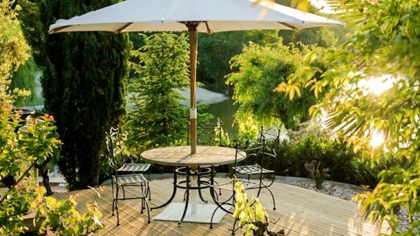 restaurant le massou francarville. Black Bedroom Furniture Sets. Home Design Ideas