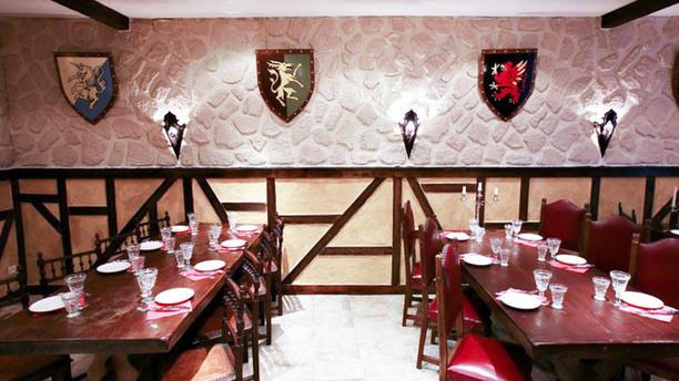 restaurant l 39 auberge du tranchoir toulouse. Black Bedroom Furniture Sets. Home Design Ideas